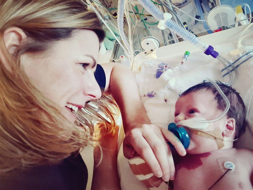 Maartje Lute met haar overleden baby Benja